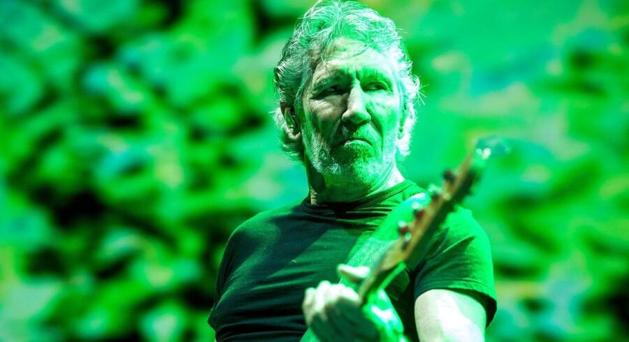 Politisk er Roger Waters så kontroversiel som nogensinde. Sit venstreorienterede og lejlighedsvist revolutionære sindelag har han aldrig lagt skjul på. De senere år har han også kastet sig ind i kampen for palæstinensernes rettigheder. Her er han fotograferet under sin koncert i Budapest 2. maj 2018.