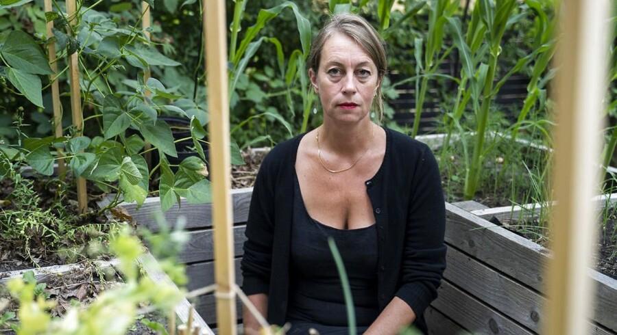 Portræt af lederen af Fakti, Lise-Lotte Duch.