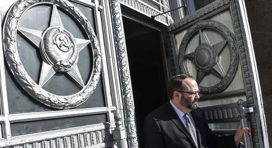 Udenrigsministeriet i Moskva ser intet problem i russiske diplomaters kække kommentarer på de sociale medier.