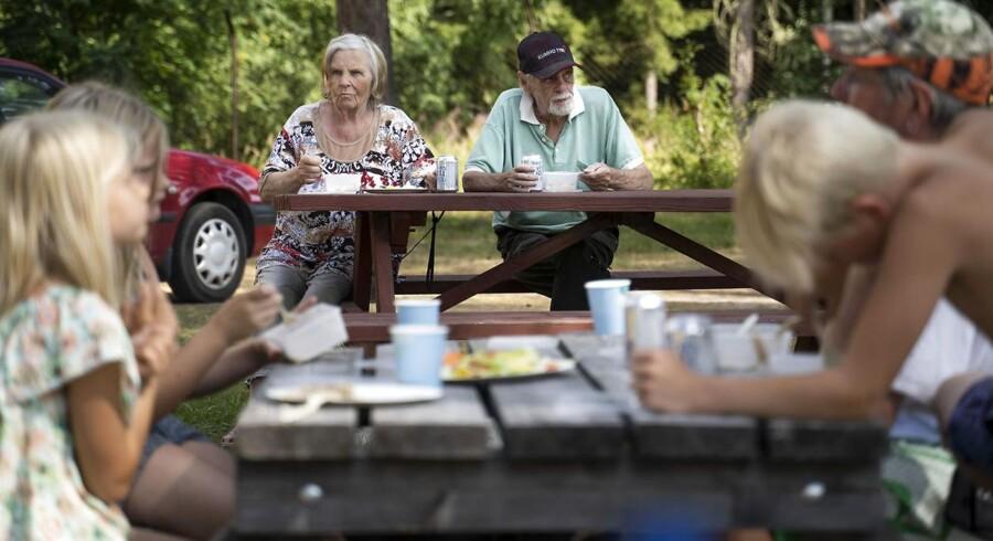 I området omkring Ljusdal i Sverige er store dele hærget af mange ukontrollerede skovbrande. Sverige har modtaget assistance fra flere EU-lande, herunder Danmark. Familier bosat i området er blevet evakueret, blandt andet her ved Färila Campingplads. Her bor de, indtil det er helt sikkert at tage tilbage.