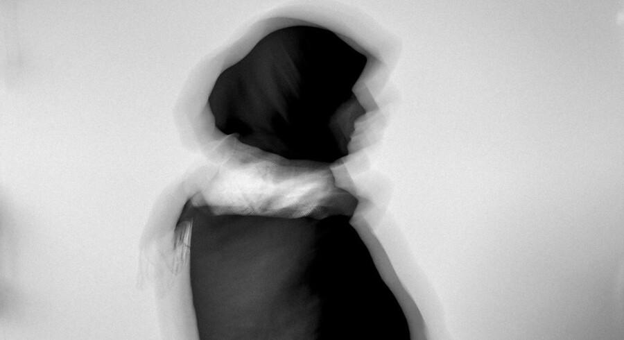 Berlingske sætter fokus på nogle af de problemer, et ukendt antal kvinder med anden etnisk baggrund lever med i Danmark. Her ses et sløret portræt af Fatima, der optræder anonymt af sikkerhedshensyn.
