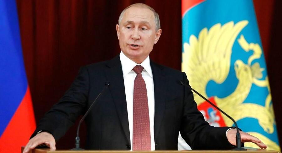 Eksperter bekymrer sig mere for Putin og russerne efter ambassadørens udtalelser end før. / AFP PHOTO / POOL / SERGEI KARPUKHIN