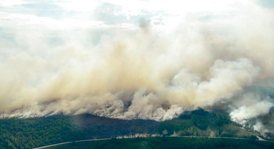 Skovbrande raserer fortsat i Sverige. Situationen bliver kaldt ekstrem, og der er risiko for, at den eskalerer yderligere. Der er ganske enkelt brug for regn.
