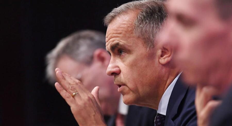 Direktøren for Bank of England Mark Carney mødtes torsdag med den absolutte poltiske top i Storbritannien. Han er bekymret. Hvis der ikke kommer en aftale om Brexit, kan konsekvenserne for britisk økonomi blive katastrofale, vurerer han.