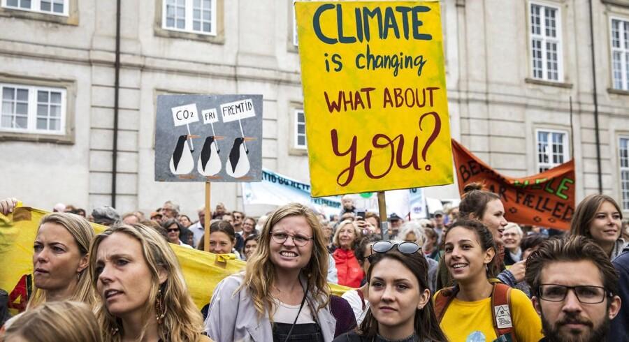 Under Folkets Klimamarch i København 8. september 2018 delte Folkebevægelsen pamfletter ud, hvor man hævdede, at en dansk udmeldelse af EU ville gavne miljøet.