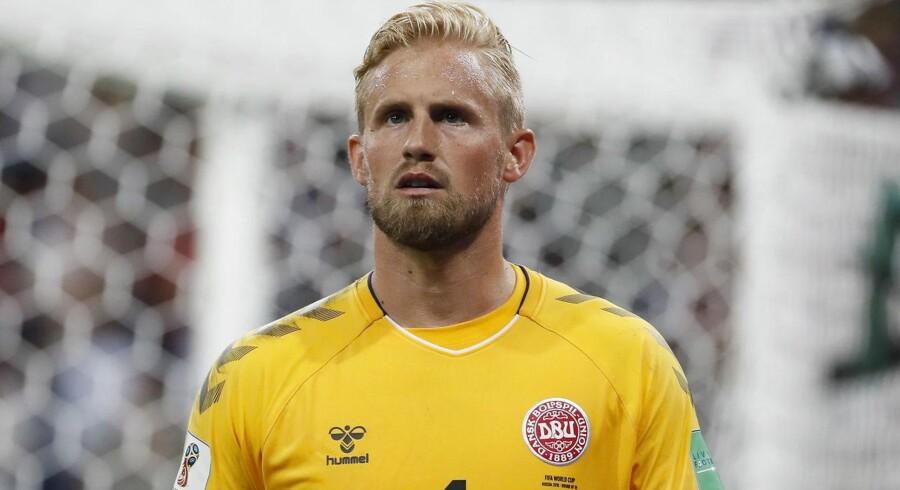 Der er mange grunde til, at vi danskere elsker Kasper Schmeichel, for alting handler om fodbold i Danmark. Undtagen fodbold, der handler om Danmark.
