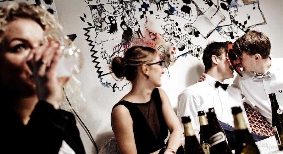 Den internationale R Kelly-dag fejres med stor fest på Rigshospitalets kollegium. Mange danske unge drikker stadig for meget.