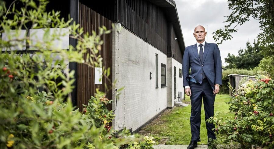 Ejendomsadvokat Jan Leth Christensen er i øjeblikket midt i en omfattende nabostrid på Sigridsvej i Hellerup. Striden tager afsæt i huset Villa Leth, som Jan Leth Christensen har fået BIG (Bjarke Ingels Group) til at tegne.