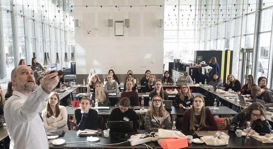 »I 2018 var der 399 engelsksprogede udbud på de danske videregående uddannelsesinstitutioner, hvilket udgjorde 28 procent af de samlede 1.419 uddannelsesudbud,« hedder det i ny opgørelse fra Uddannelses- og Forskningsministeriet