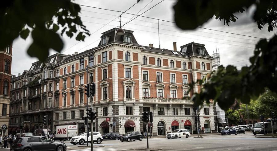 Holckenhus er kendt for at huse danske kunstnere og deres arbejde.