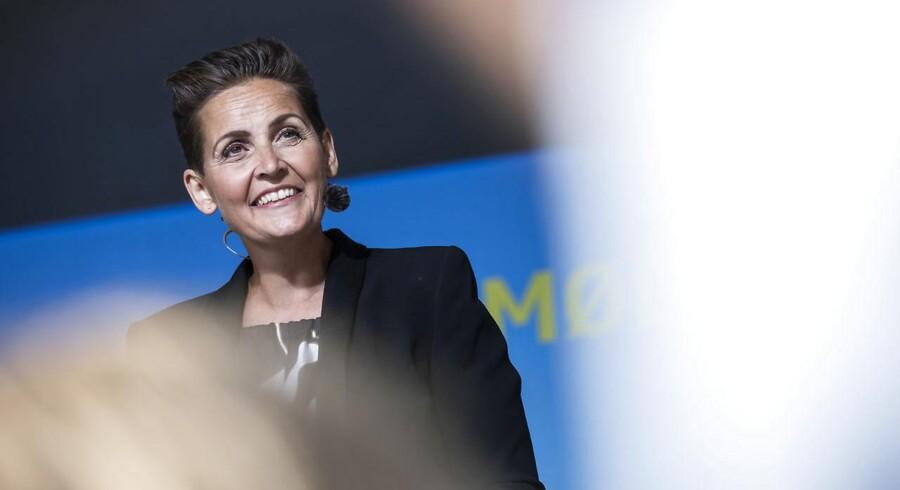 Socialistisk Folkepartis formand Pia Olsen Dyhr (SF) holdt fredag aften sin partiledertale på hovedscenen i Allinge på Bornholm. (Foto: Olafur Steinar Gestsson/Ritzau Scanpix)