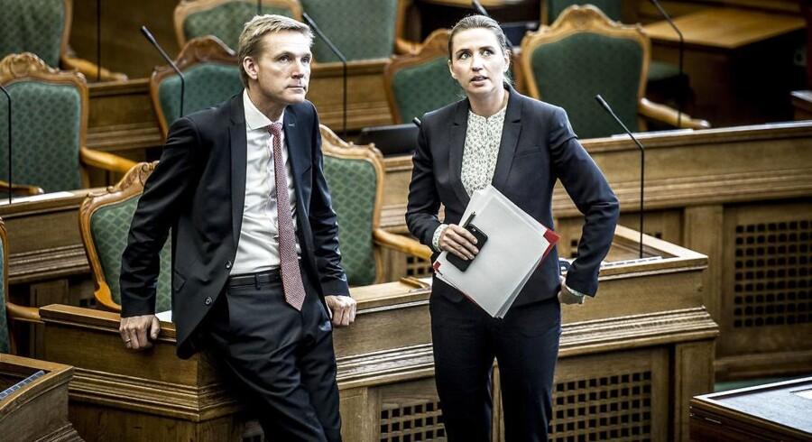 DF-formand Kristian Thulesen Dahl arbejder aktivt på at trække S-formand Mette Frederiksen ind i et tættere samarbejde.