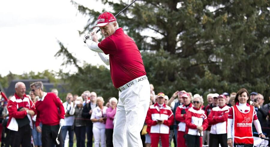 Lars Larsen, grundlægger og ejer af JYSK, er én af de virksomhedsledere, der har haft stor betydning for golfsporten i Danmark. Han har siden 2007 været eneejer af Himmerland Golf & Spa Resort og har taget initiativ til turneringen Made in Denmark, som er del af den prestigefyldte European Tour. Her svinger han køllen under en golfrunde sammen med bl.a. kronprins Frederik.