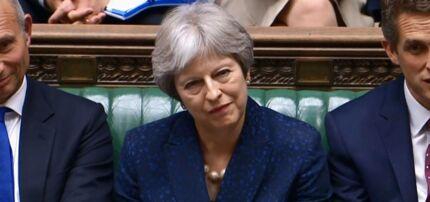 Storbritanniens premierminister, Theresa May, under gårsdagens Brexit-diskussion i det britiske underhus, som kom ovenpå to opsigelser fra ledende ministre i henes regering - udenrigsminister Boris Johnson og Brexit-minister David Davis.