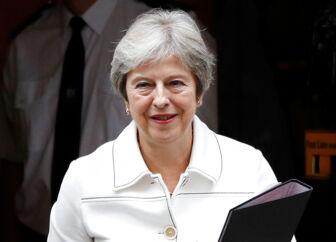 Storbritanniens premierminister Theresa May foran 10 Downing Street i London, 15. oktober 2018. REUTERS/Peter Nicholls