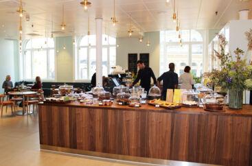 Den nye te- og kagesalon i Magasin, Wintersspring.