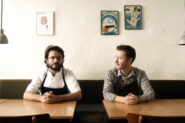 Relæ-ejer Kim Rossen (til højre) fotograferet sammen med sin medejer, makker og køkkenchef Christian F- Puglisi i 2011.