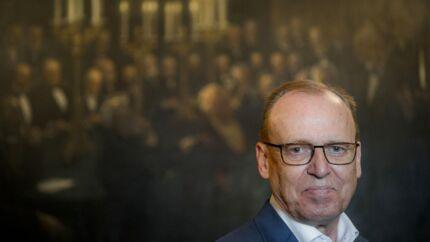 Carlsbergfondets bestyrelsesformand Flemming Besenbacher kæmpede først for højere honorarer og siden for sin usædvanlige pensionsordning i Erhvervsstyrelsen, som kontrollerer erhvervsdrivende fonde