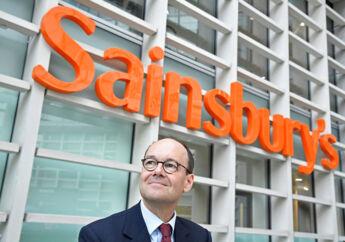 Mike Coupe, der er topchef for den britiske supermarkedskæde Sainsbury's, må finde en plan B frem, efter at en ambitiøs milliardfusion med konkurrenten Asda er blevet blokeret af de britiske konkurrencemyndigheder. Fusionen ville have rykket de to kæder foran markedsføreren Tesco, men ville have skadet konkurrencen ved at koncentrere markedet, mente myndighederne. Her ses han foran hovedsædet i London.