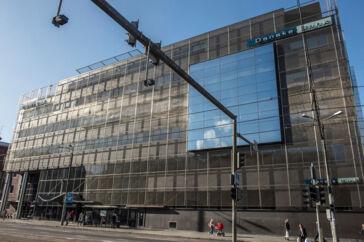 De mange mistænkelige transaktioner i Danske Bank-sagen strømmede gennem bankens estiske filial. Det forhold kan rejse tvivl om, hvorvidt de danske myndigheder kan føre en sag ved en dansk domstol.