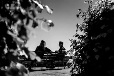 Det forlovede par – Jens Hallar og Lonny Højgaard Frederiksen – mødes flere gange om ugen på den samme bænk på Hellerup Havn.