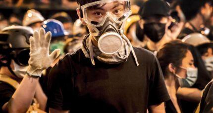 Demonstranterne frygter for et Hongkong, der mister sin frihed fra det kinesiske fastland. De frygter at bo i et Hongkong, hvor politiske ytringer kan sende dig i fængsel inde i det kinesiske fastland i et retssystem, hvor kommunistpartiet har det sidste ord.
