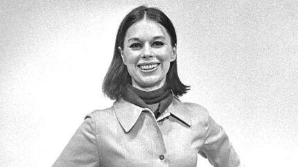 Den nu afdøde svenske modeskaber Gunilla Ponten i eget design (1969).