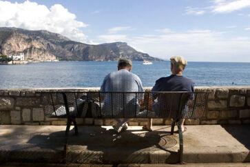 Skal udsigten som pensionist nydes ved Cap Farat i Sydfrankrig eller ved Arresø i Nordsjælland? Det afhænger måske af dit valg af pensionsselskab.