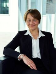 44-årige Louise Münter har 14 års kommunikationserfaringer fra blandt andet A.P. Møller-Mærsk og DONG Energy (nuværende Ørsted). Tidligere har hun også været erhvervsjournalist på Berlingske.