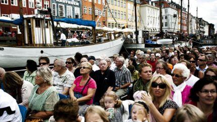 Turister i Nyhavn.