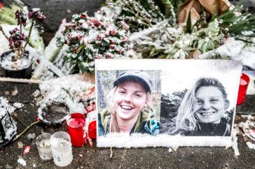 Der blev lagt blomster og billeder til minde om 24-årige Louisa Vesterager Jespersen og 28-årige Maren Ueland foran Københavns Rådhus 21. januar 2019. Retten i Salé i Marokko har fulgt anklagerens krav om dødsstraf til tre hovedmænd bag drabet på de to kvinder.