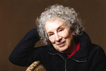 Margaret Atwood nævnes ofte som en mulig kommende modtager af Nobelprisen i Litteratur. Nu er hun også i spil til Booker Prize.