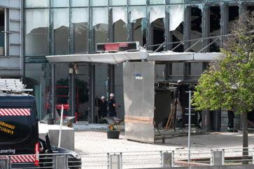 Skattestyrelsen efter eksplosion København, onsdag den 7. august 2019. Politiet sigter to svenske mænd for eksplosionen ved Skattestyrelsen i København og har anholdt den ene. Sagen kan medføre ny grænsekontrol og mere overvågning.