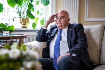Hvis EU ikke kommer den nye britiske regering i møde, vil briterne forlade EU, uden at der er nogen aftale om betingelserne for bruddet eller det fremtidige forhold, siger den britiske ambassadør i Danmark, Dominic Schroeder.