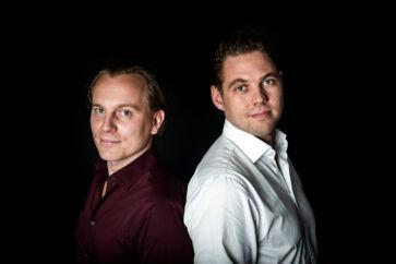 Peter Ladegaard og Frederik R. Petersens tolkevirksomhed, EasyTranslate, har været i stærk modvind efter at have vundet kontrakten på al tolkning under Udlændinge- og Integrationsministeriet samt Justitsministeriet.
