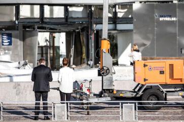 Skattestyrelsen på Østerbro i København blev tirsdag 6. august om aftenen ramt af kraftig eksplosion. På billedet ses Direktør for Skattestyrelsen Merete Agergaard (th.) og skatteminister Morten Bødskov.