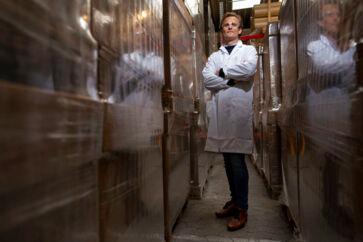 Peter Holme Jensen er medstifter og CEO i cleantech-virksomheden Aquaporin, som af den tidligere chef for det verdenskendte, amerikanske teknologiuniversitet MIT er udpeget som en af frontløberne i en ny teknologisk revolution, hvor bioteknologi og ingeniørkunst smelter sammen.