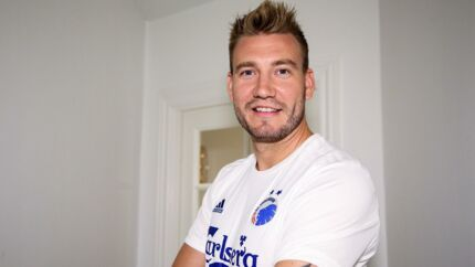 Nicklas Bendtner skifter til FCK på en kontrakt på fire måneder.
