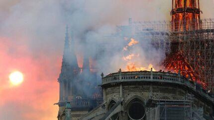 ARKIVFOTO. Sådan så det ud, da Notre Dame i april 2019 brændte.