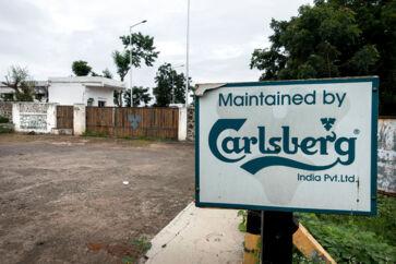 Omfattende skriftligt materiale viser, at nøglefigurer i Carlsbergs indiske datterselskab gennem halvandet år betalte lokale embedsmænd under bordet. Betalingerne skulle blandt andet sikre de nødvendige tilladelser til et af koncernens indiske bryggerier.