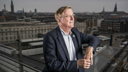 Henning Arp-Hansen er bestyrelsesformand for Københavns største hotelkoncern. Han udtænker og udvikler stadig nye hotelkoncepter i hovedstaden. Her ved Polititorvet.