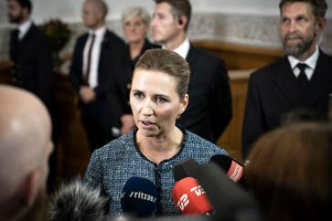 Åbning af Folketinget 2019. Mette Frederiksen taler med pressen.