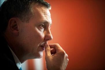 Justitsminister Nick Hækkerup (S) præsenterede fredag 16 initiativer, der skal rydde op i teleskandalen. Han ønskede ikke efterfølgende at lade sig interviewe om de to udlægninger af et centralt møde 26. april 2019.
