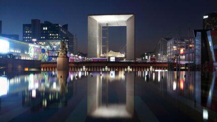 Spreckelsens triumfbue stod færdig i 1989 – to år efter at Spreckelsen var afgået ved døden.