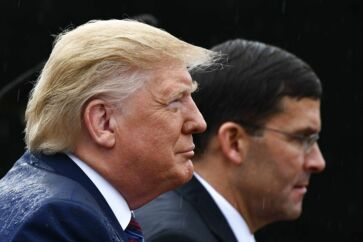 Præsident Trump og hans nyudpegede forsvarsminister, Mark Esper, har svært ved at undslippe kritikken for weekendens hændelser i Syrien.