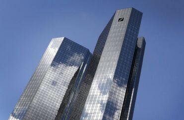I slutningen af september tog Tysklands føderale kriminalpoliti, Bundeskriminalamtes, og statsadvokaten for økonomisk kriminalitet i Frankfurt på besøg i Deutsche Banks hovedkvarter i Frankfurt og fik udleveret dokumenter. Arkivfoto: Daniel Roland/AFP/Ritzau Scanpix