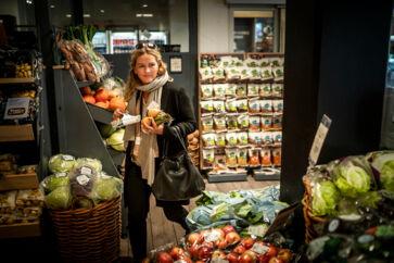 Supermarkedskæderne er udfordret af skarp konkurrence – særligt fra restauranter, der tilbyder hurtigere løsninger i form af takeaway. Det har haft konsekvenser for omsætningsvæksten.