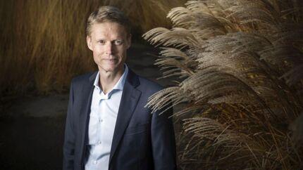 Henrik Poulsen, adm. direktør for Ørsted, må se i øjnene, at der er behov for at spare og skrue ned for forventningerne i Ørsted.