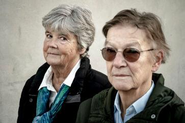 Tidligere politimester Annemette Møller (Til venstre) og forhenværende statsadvokat Birgitte Vestberg (Til højre) har fra deres otium fulgt tilstanden i anklagemyndigheden. Nu har den nået et punkt, hvor det som gammel anklager smerter at følge med fra sidelinjen.