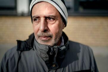Malik Razak har været på kontanthjælp siden 2000, og han er blevet fritaget for at søge job, siger han til Berlingske.
